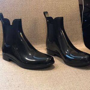 Sam Edelman Black Patent Chelsea Boots